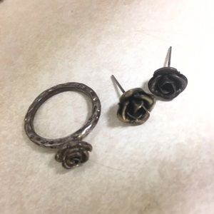 Rose ring and earring set